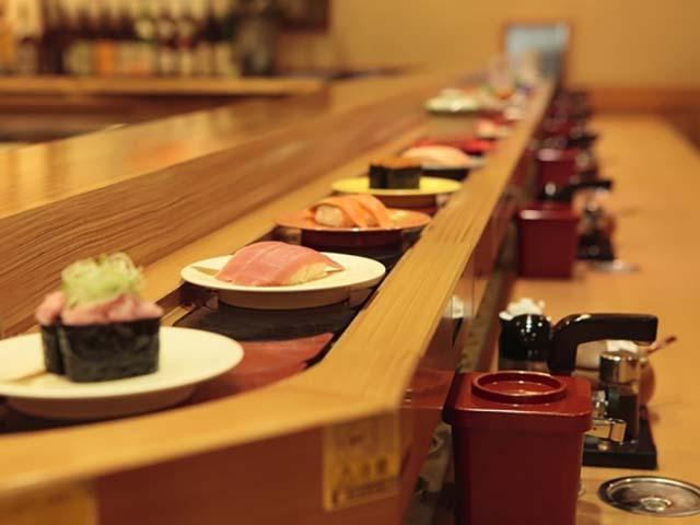 回転寿司で親に世界一周に行くと告げたが・・・